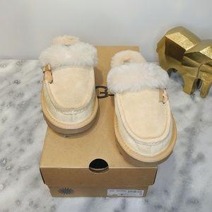 UGG | Beechwood Cream Fuzzy Slippers